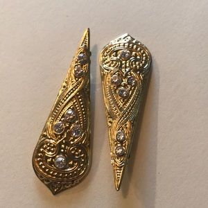 Jewelry - Gorgeous gold earrings!